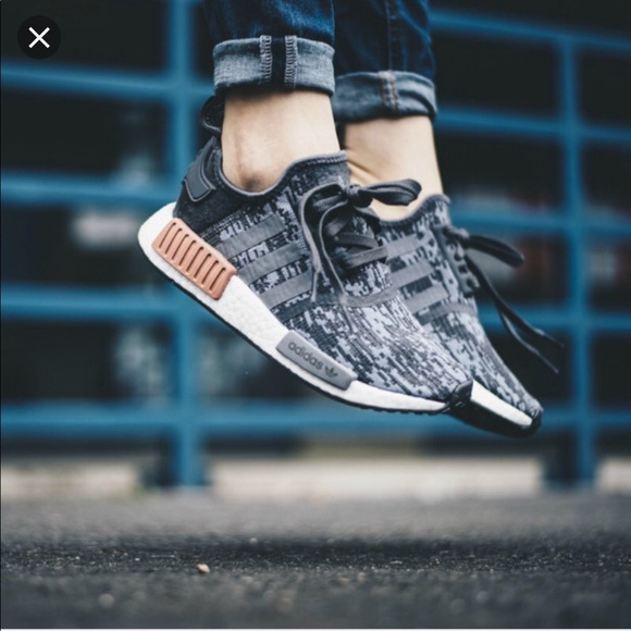new product 857a0 d84f0 adidas NMD R1 Heather Grey Raw Pink Sneaker